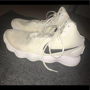 Nike White Hyperdunk Basketball Shoes